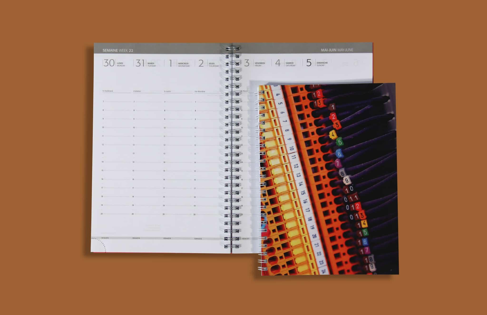 Agenda Bureau V24 Couverture Imprimee Reliure Spirale